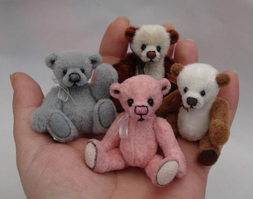 Hand-full-of-bears.jpg
