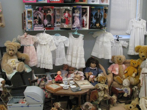 1410795634_doll_and_bear_room_2.jpg