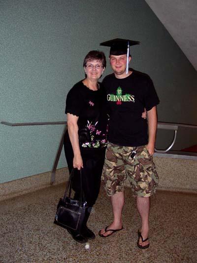 Dustin-and-Sarah-s-graduation-400pix.jpg