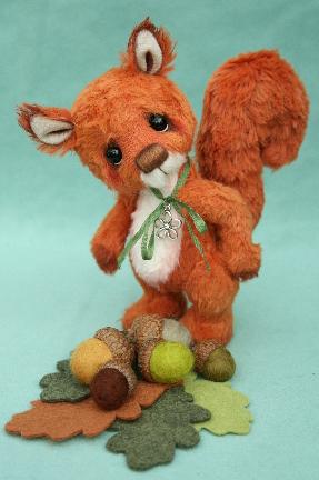 1341072106_teddies-worldwide-bear-friends-pipkins2012-squirrel-nutkin1.jpg